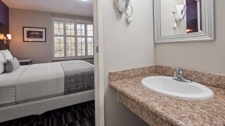 SureStay Hotel Beverly Hills - Bathroom
